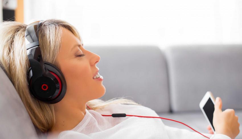 11 Best Headphones Under $50 to try your Hands on